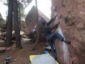 Seiscerraro, 6b, Bloque 26. felt like climbing granite. The problems around to the left has nice problems too.