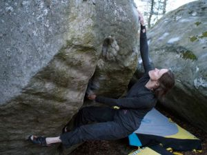 powerful and short (like the previous problems). E'pée, 7b.